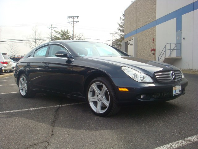 2006 MERCEDES CLS-Class 4dr Sdn 50L One owner Flawless 2006 Mercedes Benz CLS heated leather sea