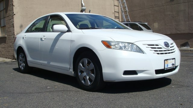 2007 Toyota Camry 4dr Sdn I4 Auto XLE Clean carfax 2007 Camry AMFMCD cloth seats everything p