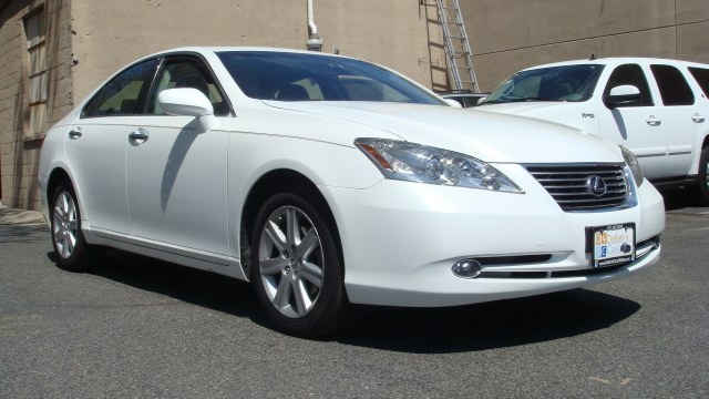 2007 Lexus ES 350 4dr Sdn 2007 Lexus ES 350 Heated leather seats sun roof rear air and more Ca