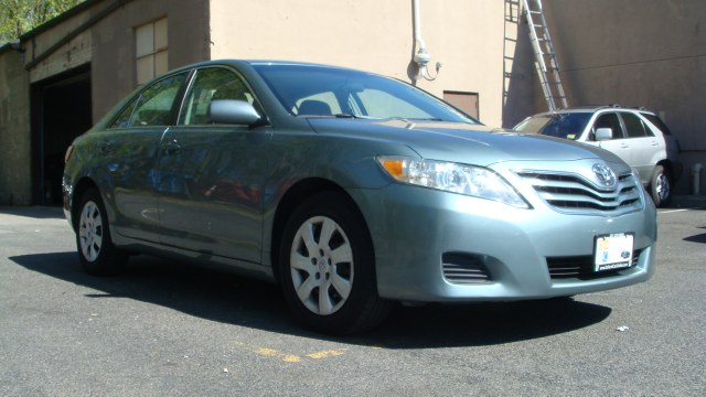 2010 Toyota Camry 4dr Sdn I4 Auto LE Clean carfax 2010 Toyota Camry AMFMCD very clean car alw