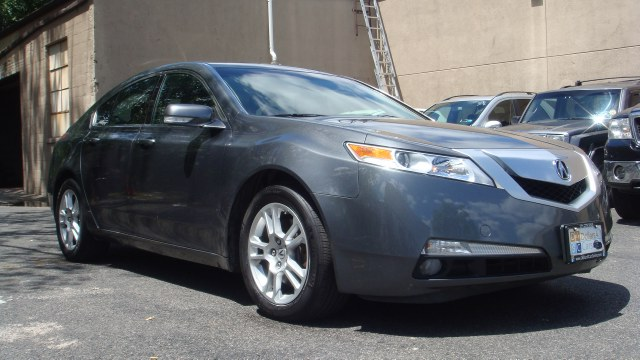 2011 Acura TL 2WD TECH 18 WHEELS One owner Clean carfax 2011 Acura TL TecH PAckage Fully loaded