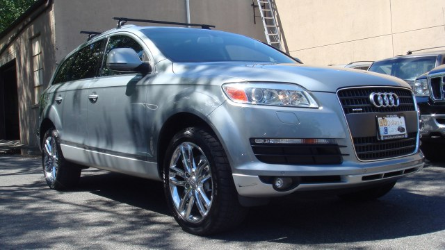 2009 Audi Q7 quattro 4dr 42L Prestige One year Platinum Autosource warranty for additional 15k mil
