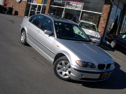 Image 4 of 2005 BMW 325 xi Central…