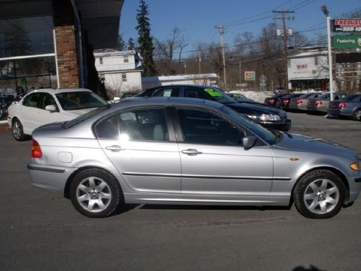 Image 5 of 2005 BMW 325 xi Central…