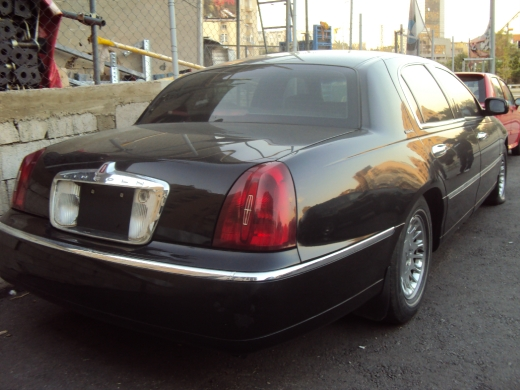 2001 Lincoln Town Car Executive Beirut, NY
