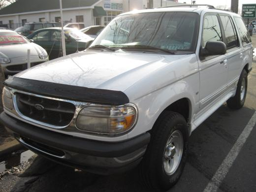Image 2 of 1998 Ford Explorer XLT…