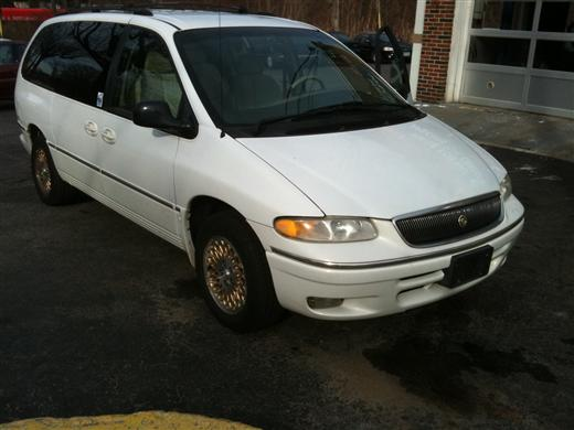 Image 4 of 1997 Chrysler Town &…