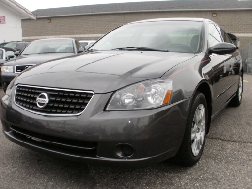 Picture of a 2005 Nissan Altima