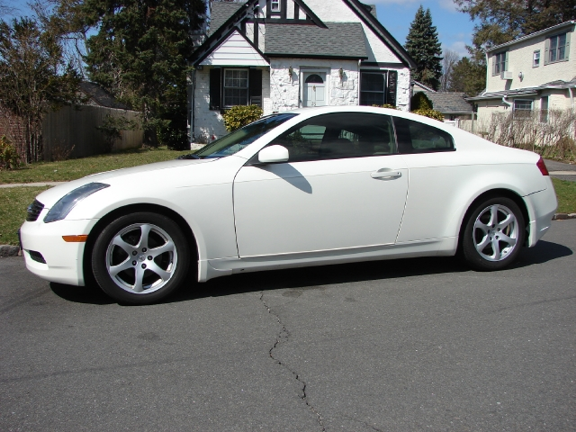holdobih white infiniti g35 coupe for sale. Black Bedroom Furniture Sets. Home Design Ideas