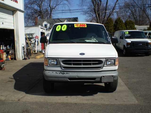 2000 Ford Econoline Cargo Van Full-size Cargo Van