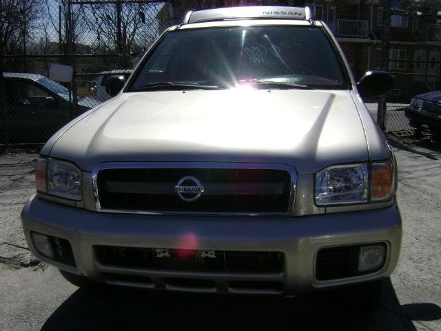 Image 2 of 2002 Nissan Pathfinder…