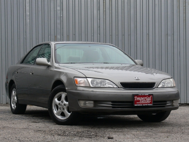 1997 Lexus ES 300 Base Far Rockaway, NY