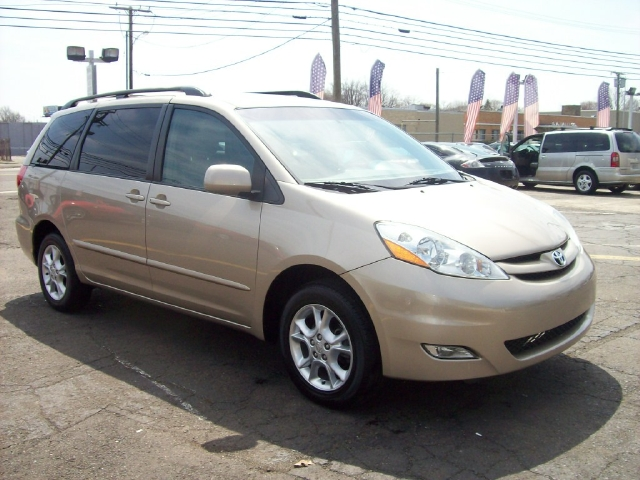 Brilliant Used Toyota Sienna Passenger Minivan For Sale By Owner In NC