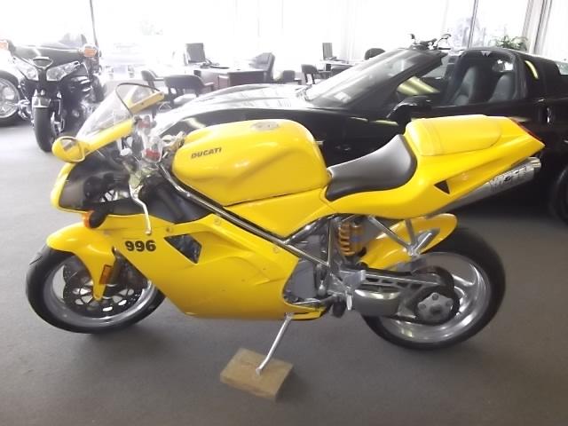 2001 DUCATI 996 Motorcycle