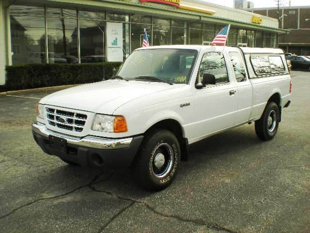 2001 Ford #188A Ranger- 4X4 White Ext Cab Pickup