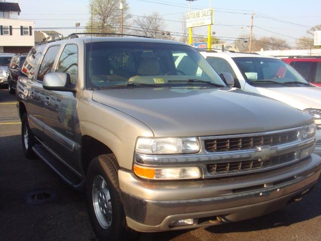 Image 1 of 2001 Chevrolet Suburban…
