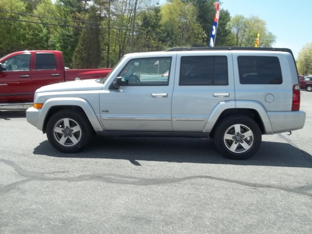 Image 3 of 2006 Jeep Commander…