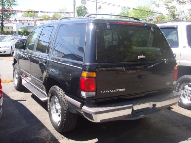 Image 5 of 1997 Ford Explorer XLT…