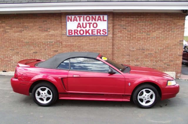 2000 ford mustang convertible 3 used cars for sale. Black Bedroom Furniture Sets. Home Design Ideas