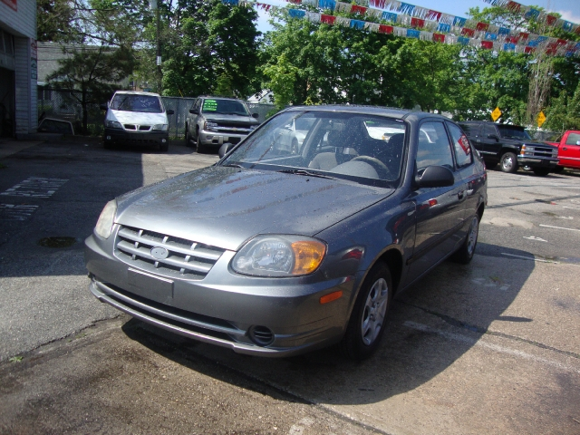 Image 6 of 2004 Hyundai Accent…
