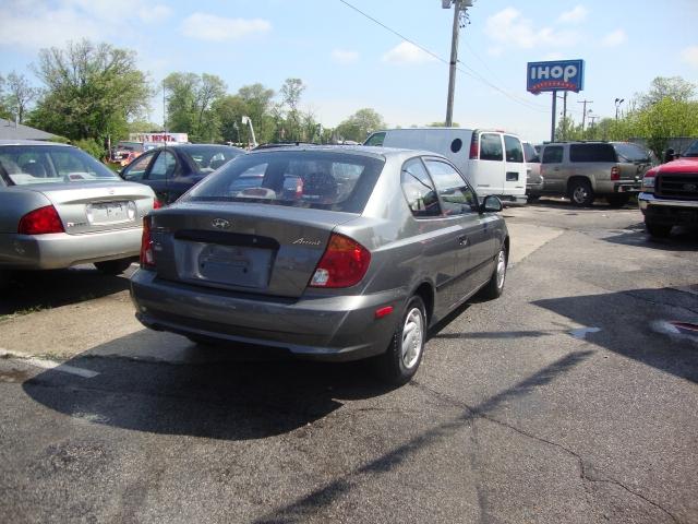 Image 7 of 2004 Hyundai Accent…