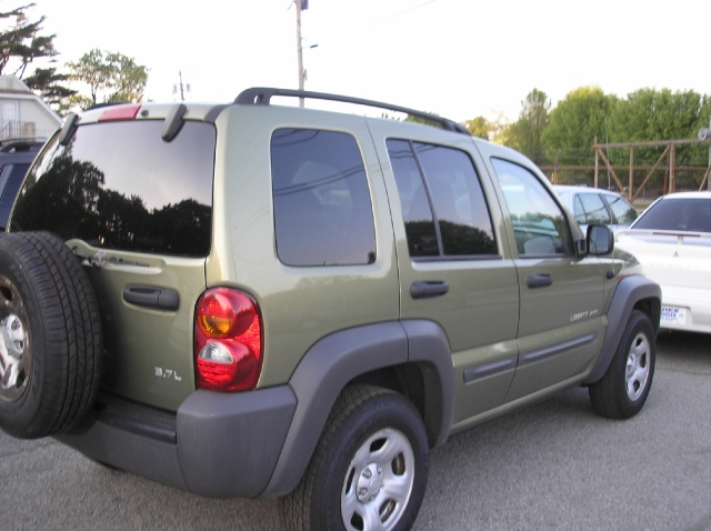 Image 2 of 2003 Jeep Liberty Sport…