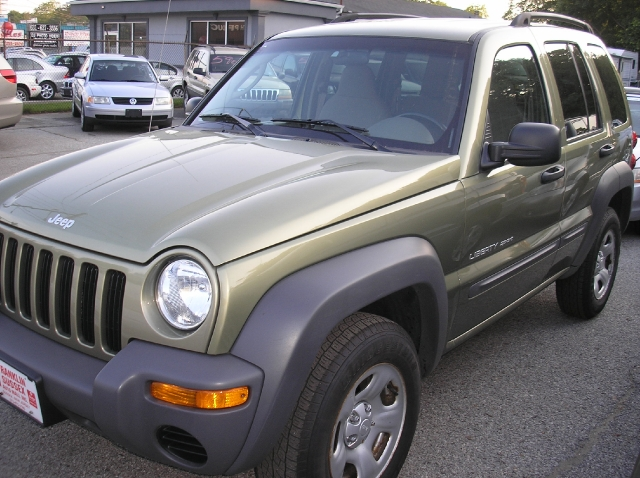 Image 4 of 2003 Jeep Liberty Sport…