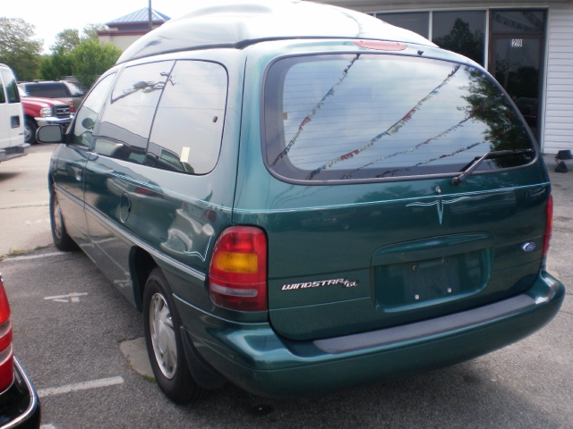 Image 9 of 1996 Ford Windstar GL…