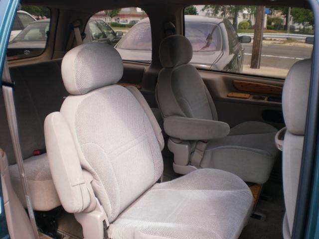 Image 10 of 1996 Ford Windstar GL…
