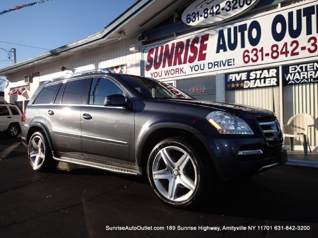 2011 MERCEDES GL-Class 4MATIC 4dr GL550 Sunrise Auto Outlet  is the car shopping destination for Lo