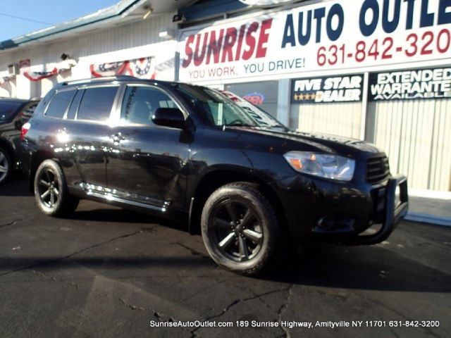 2010 Toyota Highlander 4WD 4dr V6  Base Sunrise Auto Outlet  is the car shopping destination for Lo