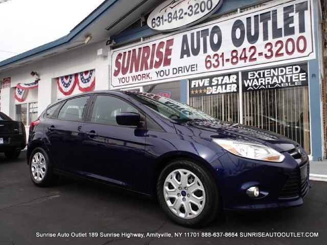 2012 Ford Focus 5dr HB SE Sunrise Auto Outlet  is the car shopping destination for Long Island Qu