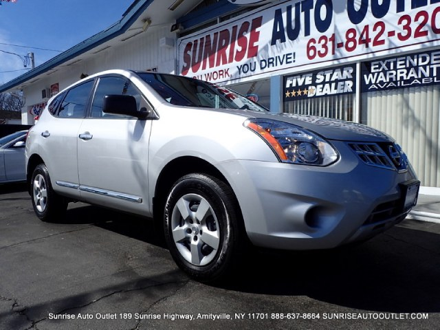 2013 Nissan Rogue AWD 4dr S This 2013 Nissan Rogue AWD 4dr S Includes -Aux Audio Input ABS Brakes