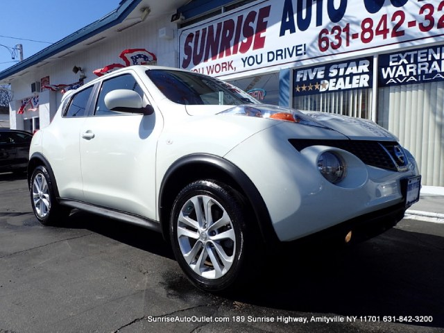 2011 Nissan JUKE 5dr Wgn I4 CVT SL AWD Sunrise Auto Outlet  is the car shopping destination for Lo