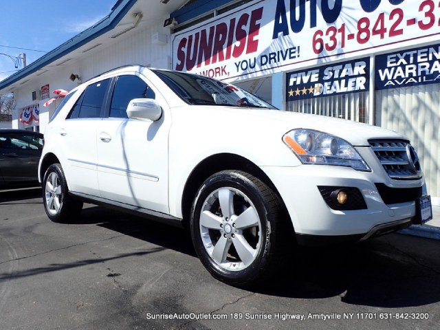 2010 MERCEDES M-class ML350 New Arrival All Wheel Drive Bluetooth SunroofMoonroof This 2