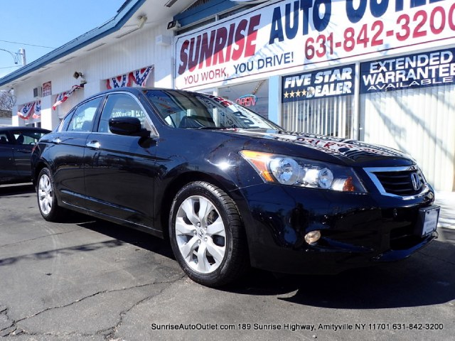 2010 Honda Accord Sdn EX-L Priced Below Market ThisAccord Sdn will sell fast Low Miles Carf