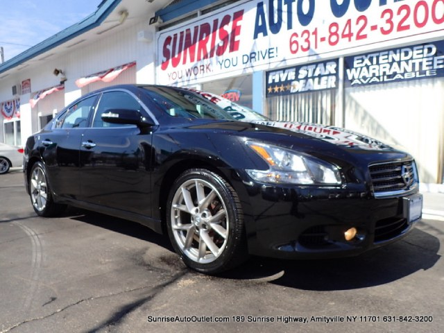 2011 Nissan Maxima 4dr Sdn V6 CVT 35 SV wSport Priced Below Market ThisMaxima will sell fast