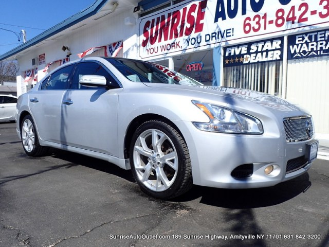 2011 Nissan Maxima 4dr Sdn V6 CVT 35 SV wPremiu New Arrival CarFax 1-Owner LOW MILES This