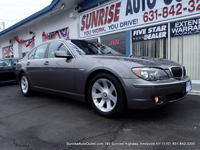 2008 BMW 7 Series 4dr Sdn 750i This 2008 BMW 7 Series 4dr Sdn 750i Includes -Navigation -Leather -