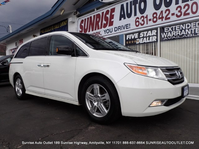 2012 Honda Odyssey 5dr Touring Elite Touring EliteNavigationUltrawide 162 Rear Entertainment
