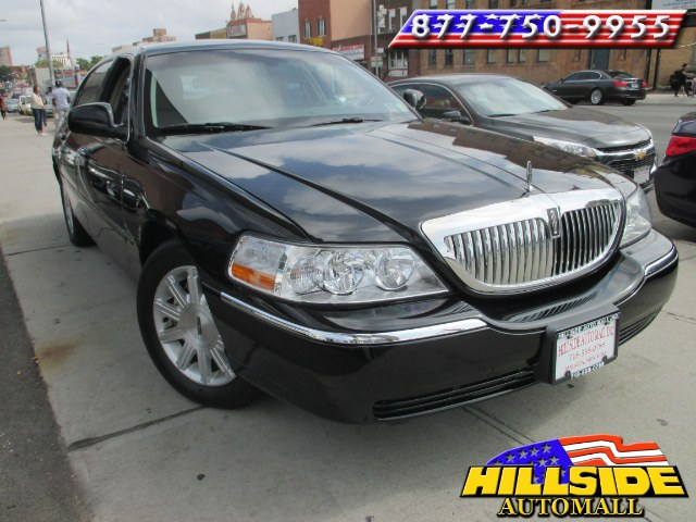 2011 Lincoln Town Car 4dr Sdn Signature Limited We have assembled the most advanced network of len