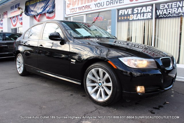2011 BMW 3 Series 4dr Sdn 328i xDrive AWD SULEV Sunrise Auto Outlet  is the car shopping destinati
