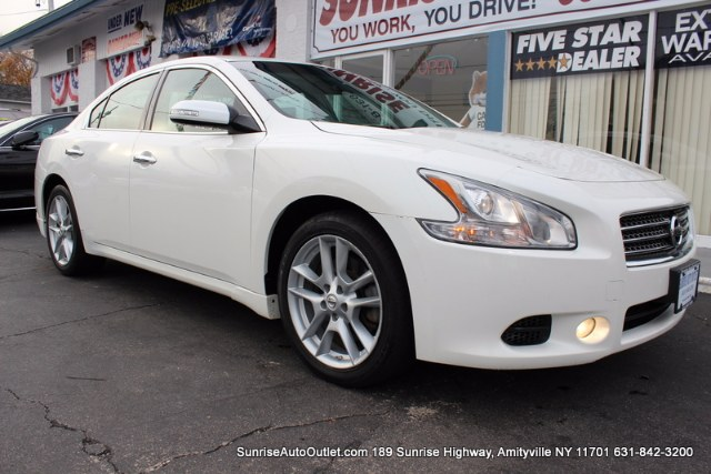 2010 Nissan Maxima 4dr Sdn V6 CVT 35 SV Sunrise Auto Outlet  is the car shopping destination for
