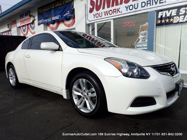 2012 Nissan Altima 2dr Cpe I4 CVT 25 S CARFAX 1-Owner vehiclePush-Button StartStopAlloy Rims