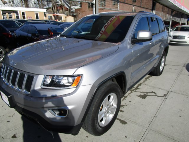 2014 Jeep Grand Cherokee 4WD 4dr Laredo Hi folks thank you for taking the time out of your busy da