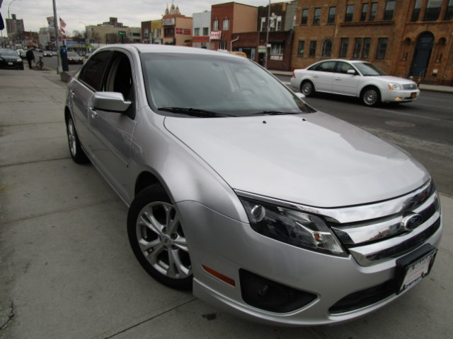 2012 Ford Fusion 4dr Sdn SE FWD Hi folks thank you for taking the time out of your busy day and lo