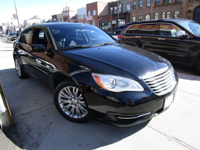 2013 Chrysler 200 4dr Sdn LX Hi folks thank you for taking the time out of your busy day and looki