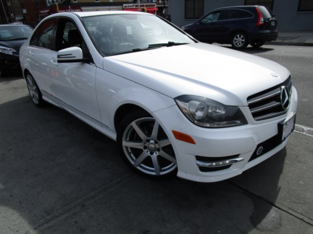 2014 MERCEDES C-Class 4dr Sdn C300 Luxury 4MATIC Hi folks thank you for taking the time out of you