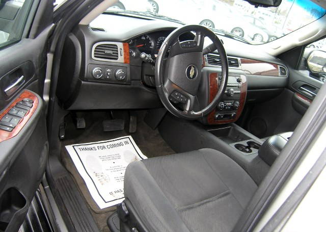 Used 2009 Chevrolet Suburban, $16998