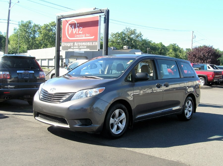 Used 2011 Toyota Sienna, $12600